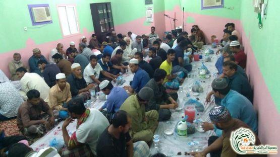 جمعية البر بقنا توزع 7800 وجبة افطار صائم خلال شهر رمضان الم..