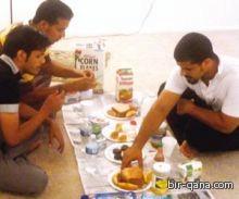 """""""الشوكولاته"""" بديلا للتمر في رمضان المبتعثين"""